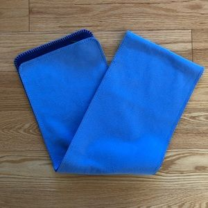 L.L. Bean Accessories - Two-tone blue fleece L.L. Bean scarf